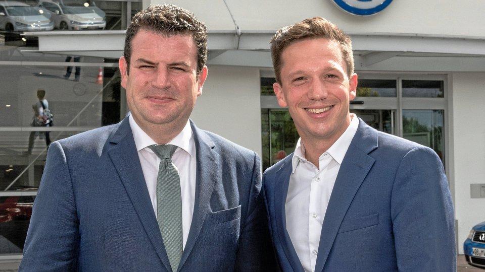Bleibt der Peiner Hubertus Heil (SPD) Minister? Neben ihm steht Falko Mohrs, der einzige weitere von sechs SPD-Abgeordneten aus der Region, der Erfahrung im Bundestag besitzt.