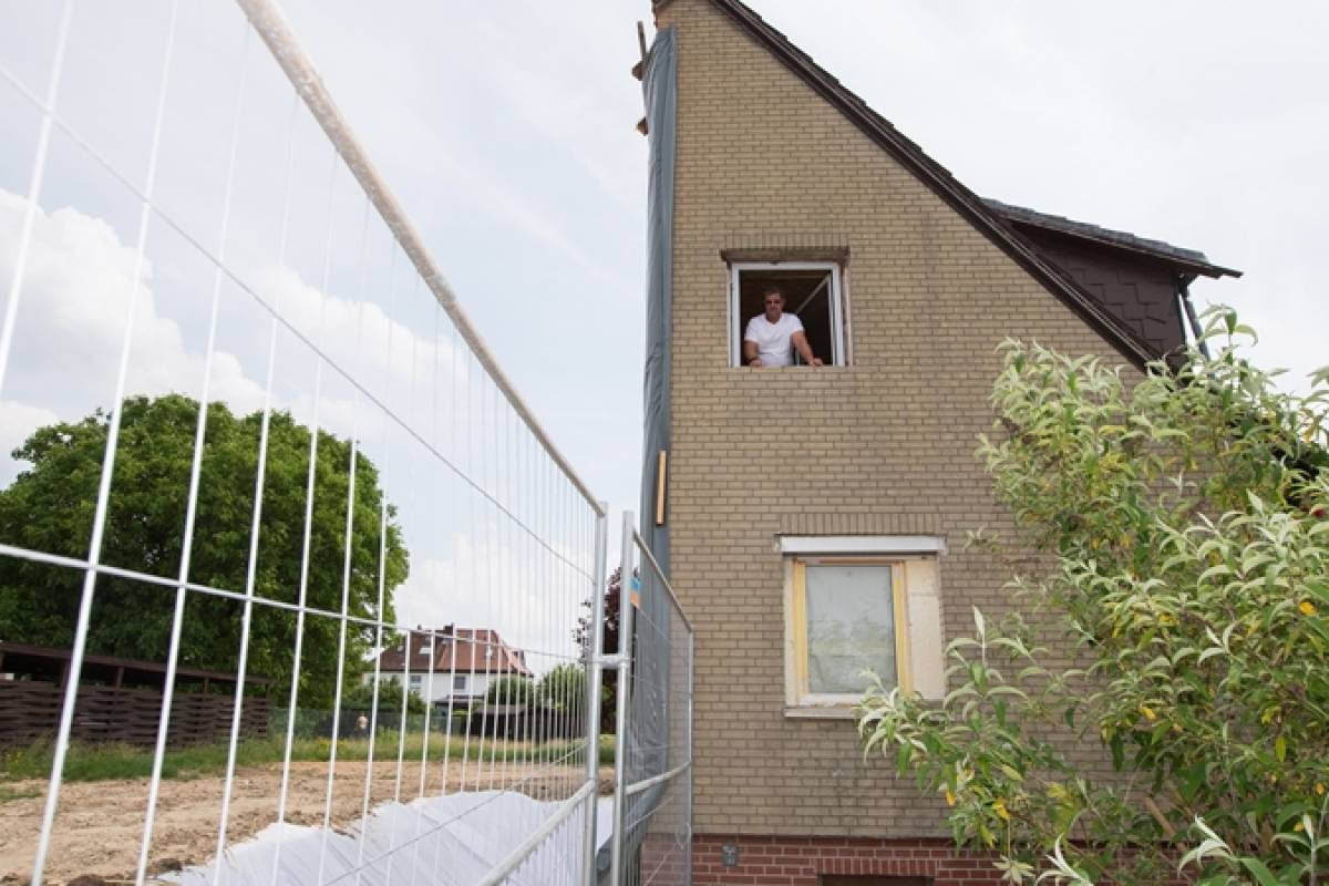 Turbo Warum in Lehndorf ein halbes Haus steht - Braunschweig IP21