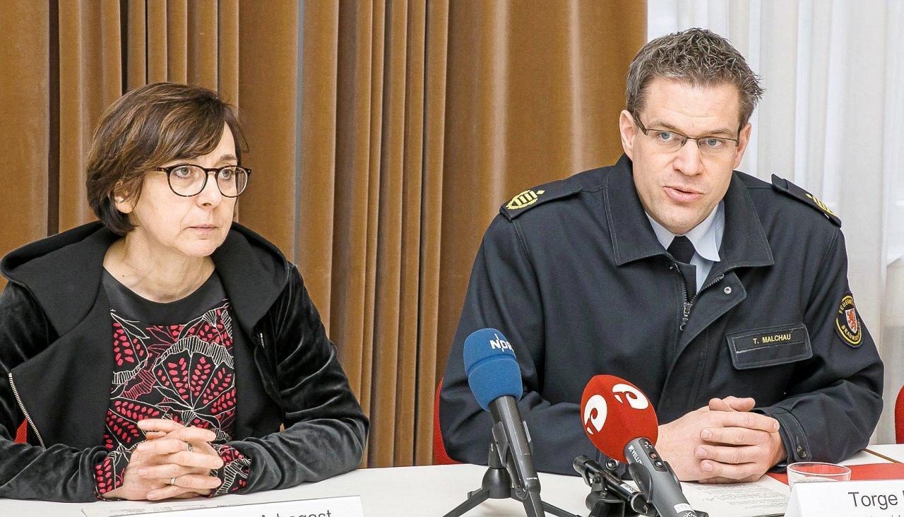 Braunschweigs Sozialdezernentin Christine Abogast und Torge Malchau, Chef der städtischen Feuerwehr, informierten auf einer Pressekonferenz zum ersten Corona-Fall in der Löwenstadt.