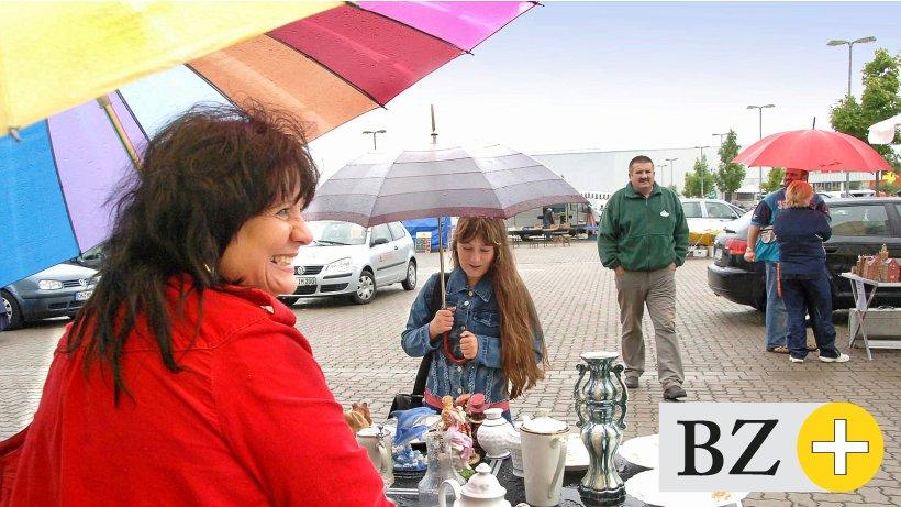 Andrang - Großflohmarkt im Heinenkamp beginnt 5 Stunden