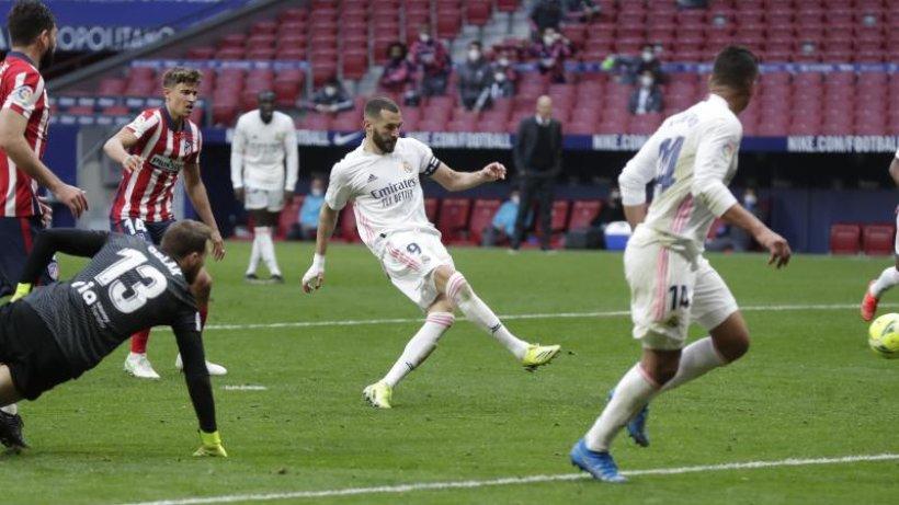 Primera-Division-Benzema-rettet-Real-Punkt-im-Derby-bei-Atl-tico