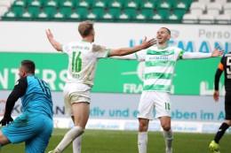 2. Liga: Sieg gegen Braunschweig: Fürth macht Druck im Aufstiegskampf