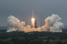 Raumfahrt: China weist Sorgen vor Trümmern seiner Rakete zurück