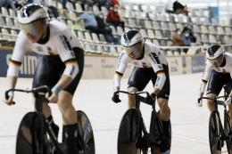 Abschiedsgeschenke für Rad-Coach Uibel: Fotos und Rekorde