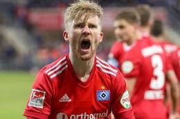 Später Treffer sichert HSV-Sieg - Aue gewinnt Kellerduell