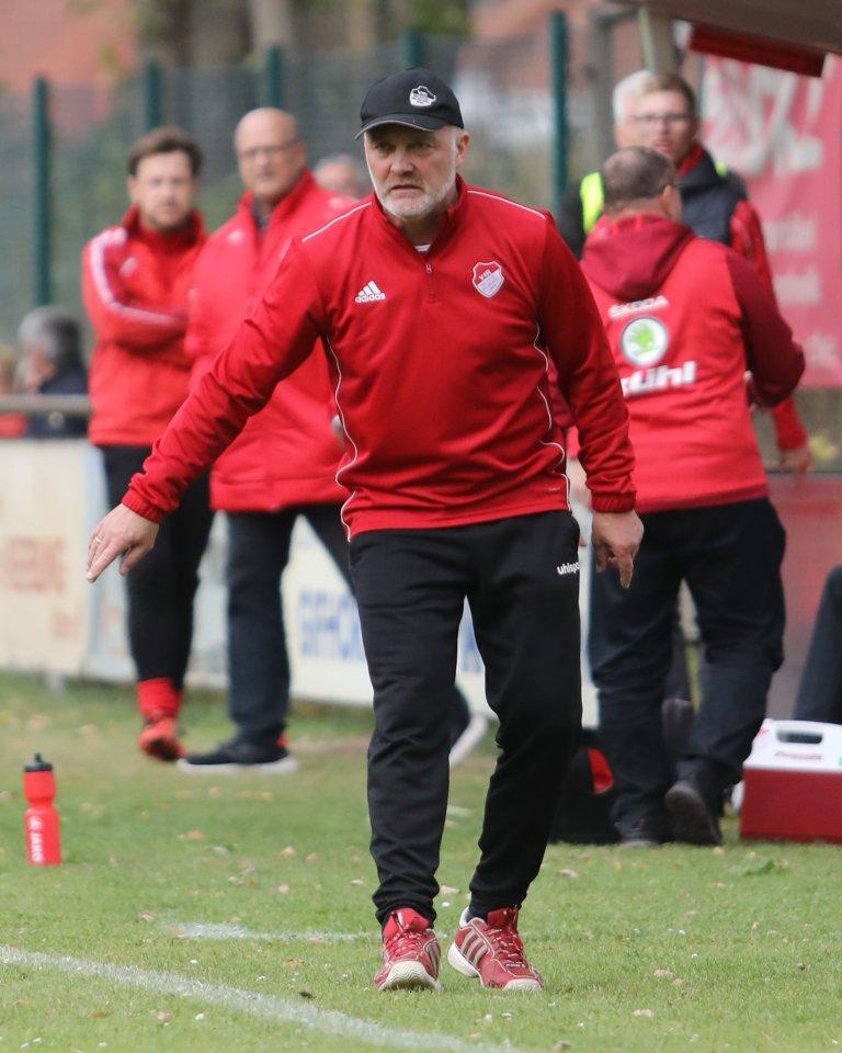 Bernd Huneke bleibt Trainer des Fußball-Bezirksligisten VfR Wilsche-Neubokel.