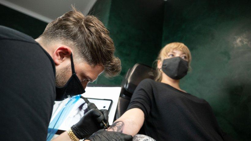 Fehler-in-Verordnung-Kosmetik-und-Tattoo-Studios-d-rfen-ffnen
