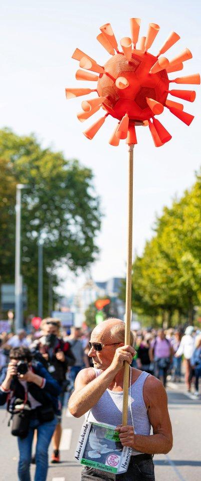 Eines war der Protest in Hannover auf alle Fälle: bunt. Die Demonstranten ließen sich allerlei einfallen, um ihrer Meinung Ausdruck zu verleihen.
