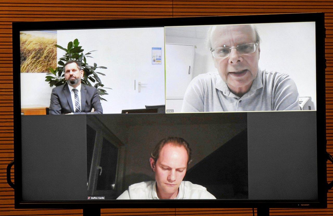 Zur Debatte zugeschaltet: Minister Olaf Lies, Steffen Kanitz und Michael Ahlers (v. l.).