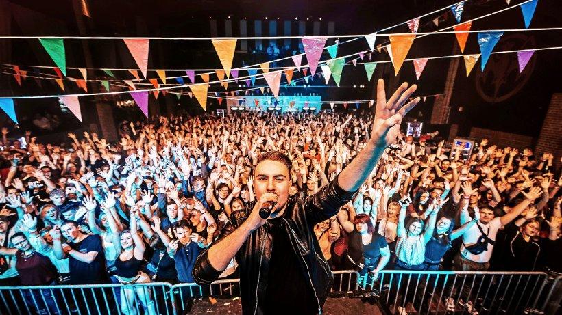 DJs um den Wolfsburger Justin Pollnik bieten Online